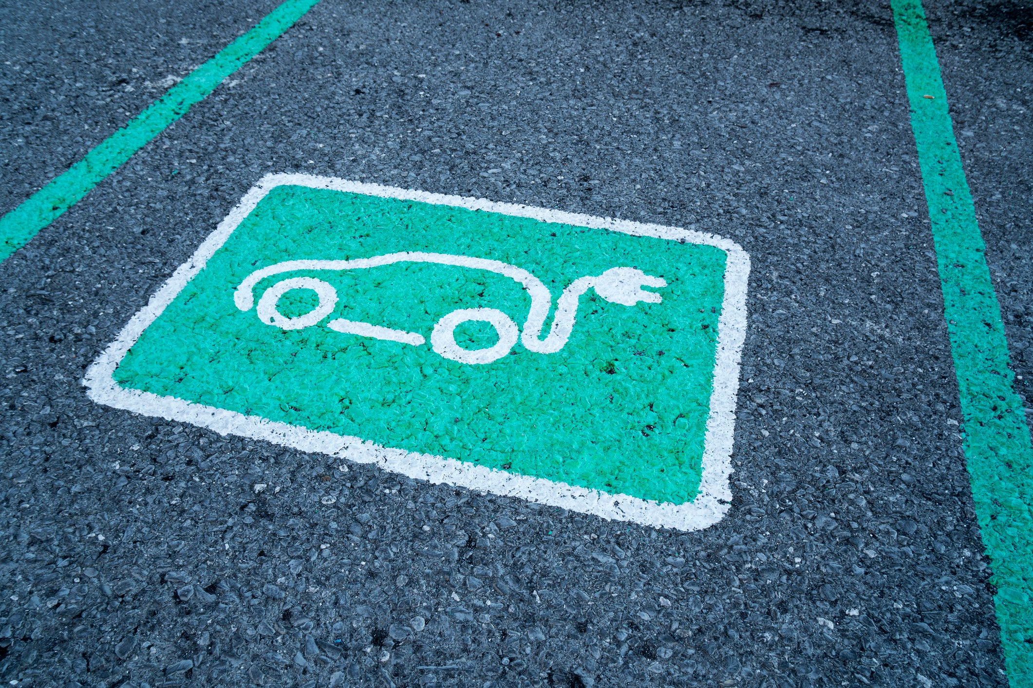 5 Common Electric-Car Questions Answered | The Motley Fool