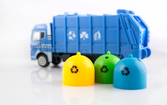 Getty Toy Garbage Truck With Recycle Bins
