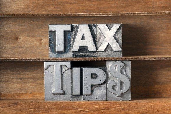 Tax Tips Lower Taxes Irs Retirement Deduction Credit Itemize