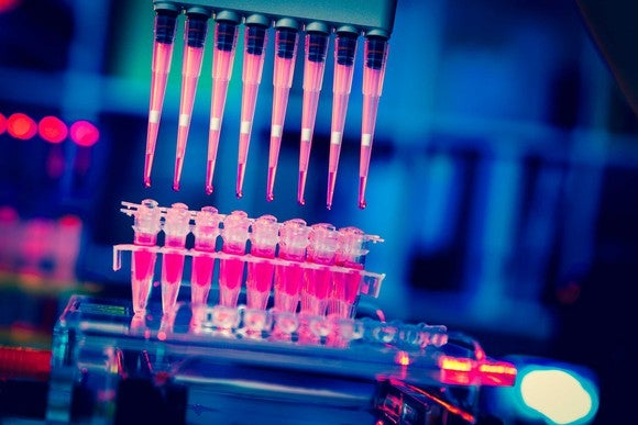 Cancer stem cell research using pipettes.