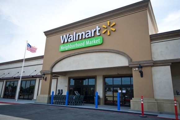 A picture of a Wal-Mart storefront.