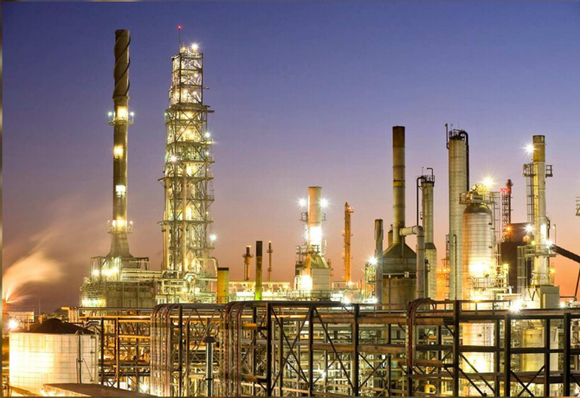 One of CVR Energy's refineries lit up at night.