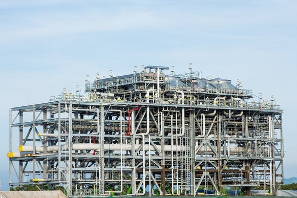 Liquified natural gas refinery