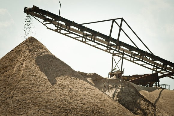 Sand pit mine with equipment