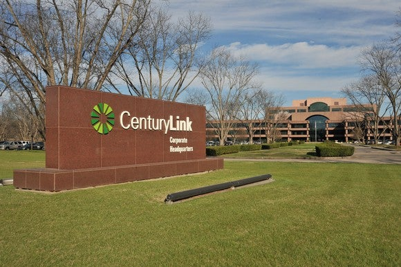 Telecom Services - Domestic: CenturyLink, Inc. (NYSE:CTL) Position of the day