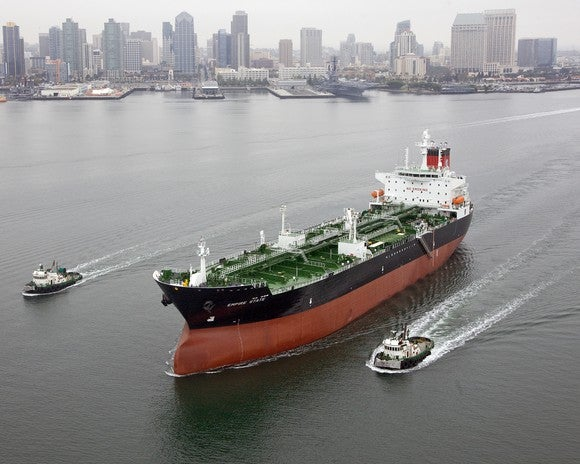 An oil tanker in the harbor.