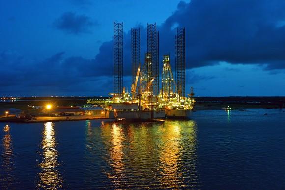 Jack-up rig at night