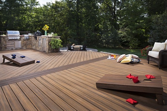 Deck made of Trex materials.