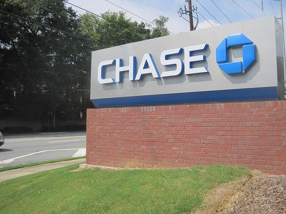 A Chase branch sign.