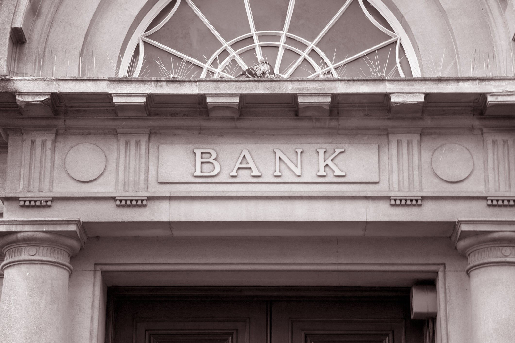 5 Top Dividend Stocks in Retail Banking   The Motley Fool