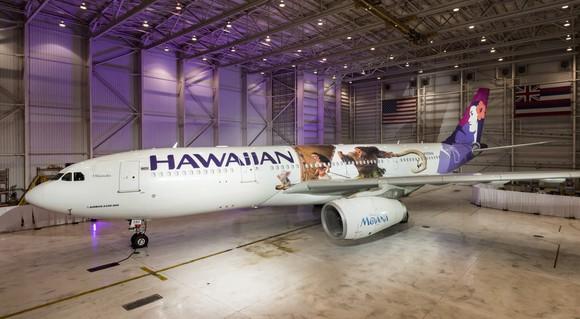 Hawaiian Airlines airplane with Moana theme.