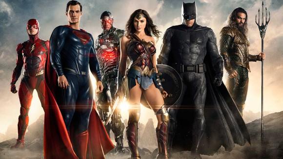 "The Flash, Superman, Cyborg, Wonder Woman, Batman, and Aquaman from Warner's upcoming ""Justice League"" movie."