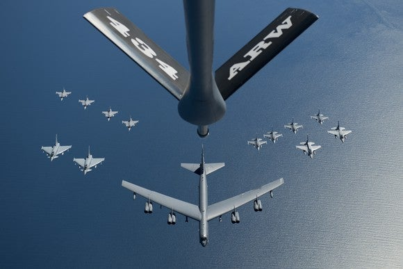 Aircraft flying formation