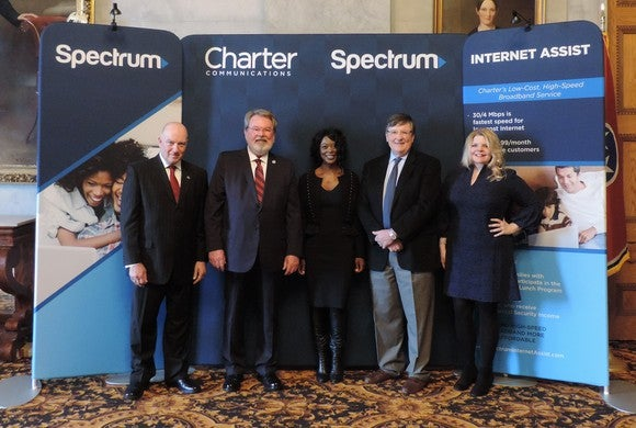 Charter presentation to help customers with internet access.