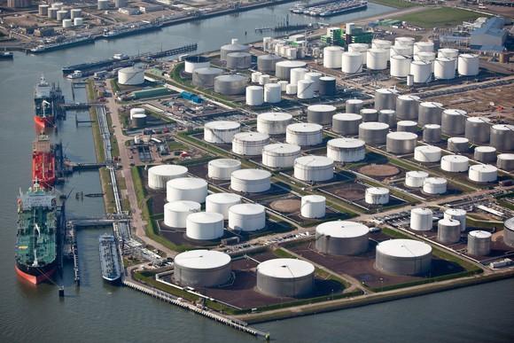 Oil export terminal.