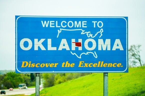 Welcome to Oklahoma sign.