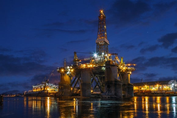Offshore drilling rig in docks