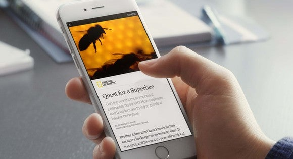 Person viewing an Instant Article in Facebook app