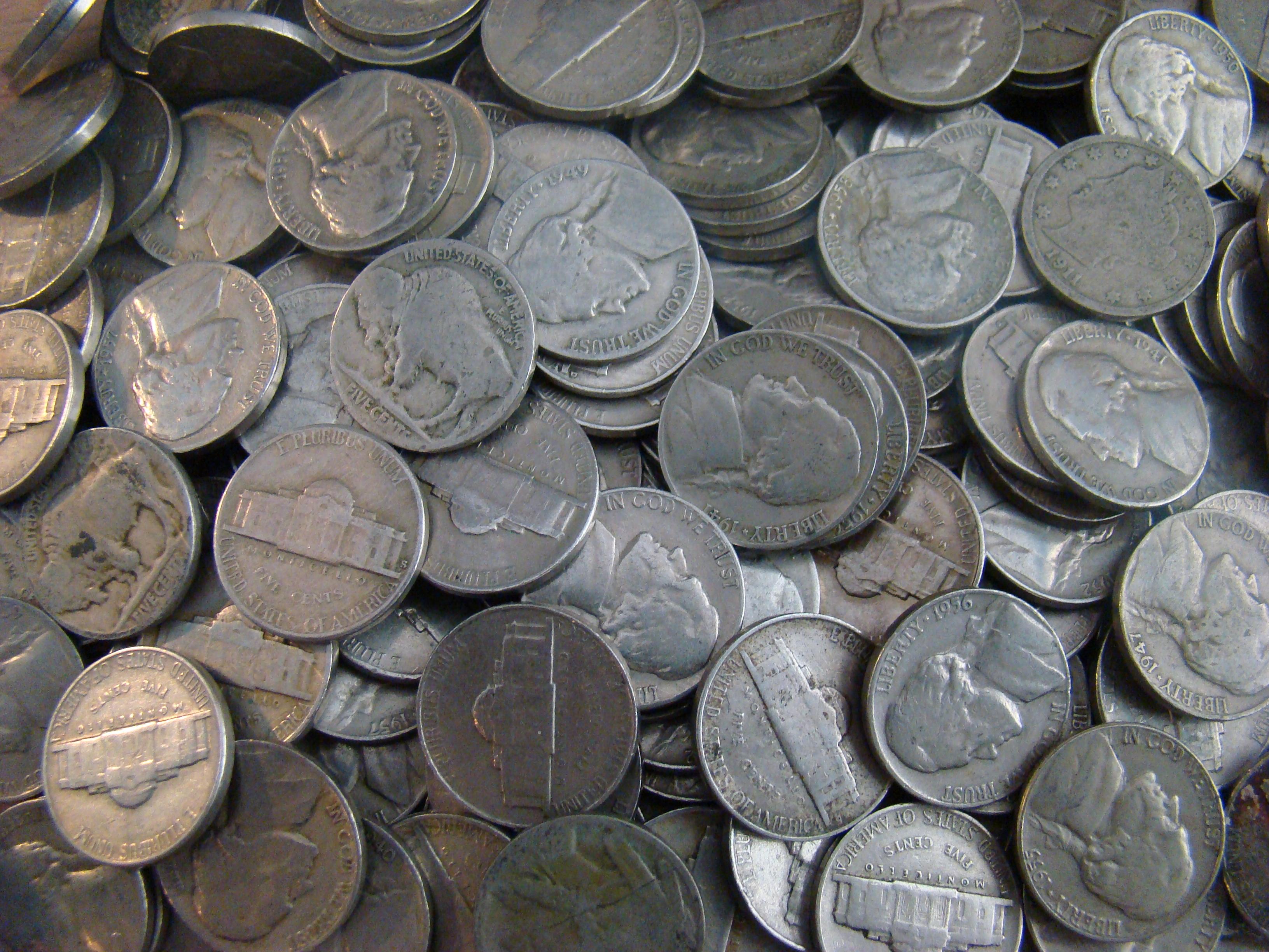 2 top nickel stocks to buy in 2017