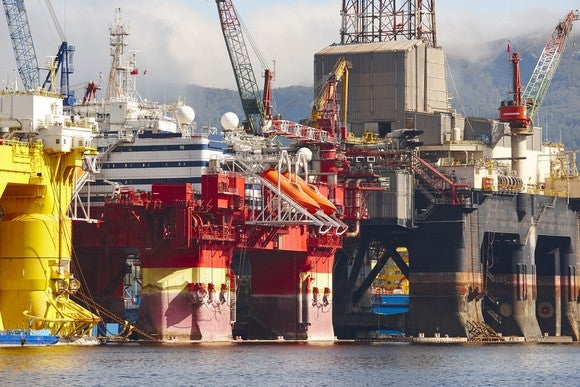 Offshore drilling rigs at port