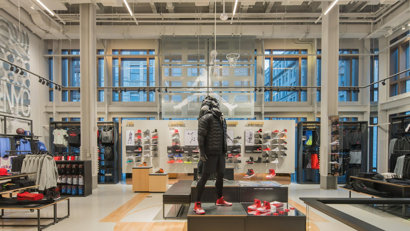 Why Nike's Express Lane Should Matter to Investors | The