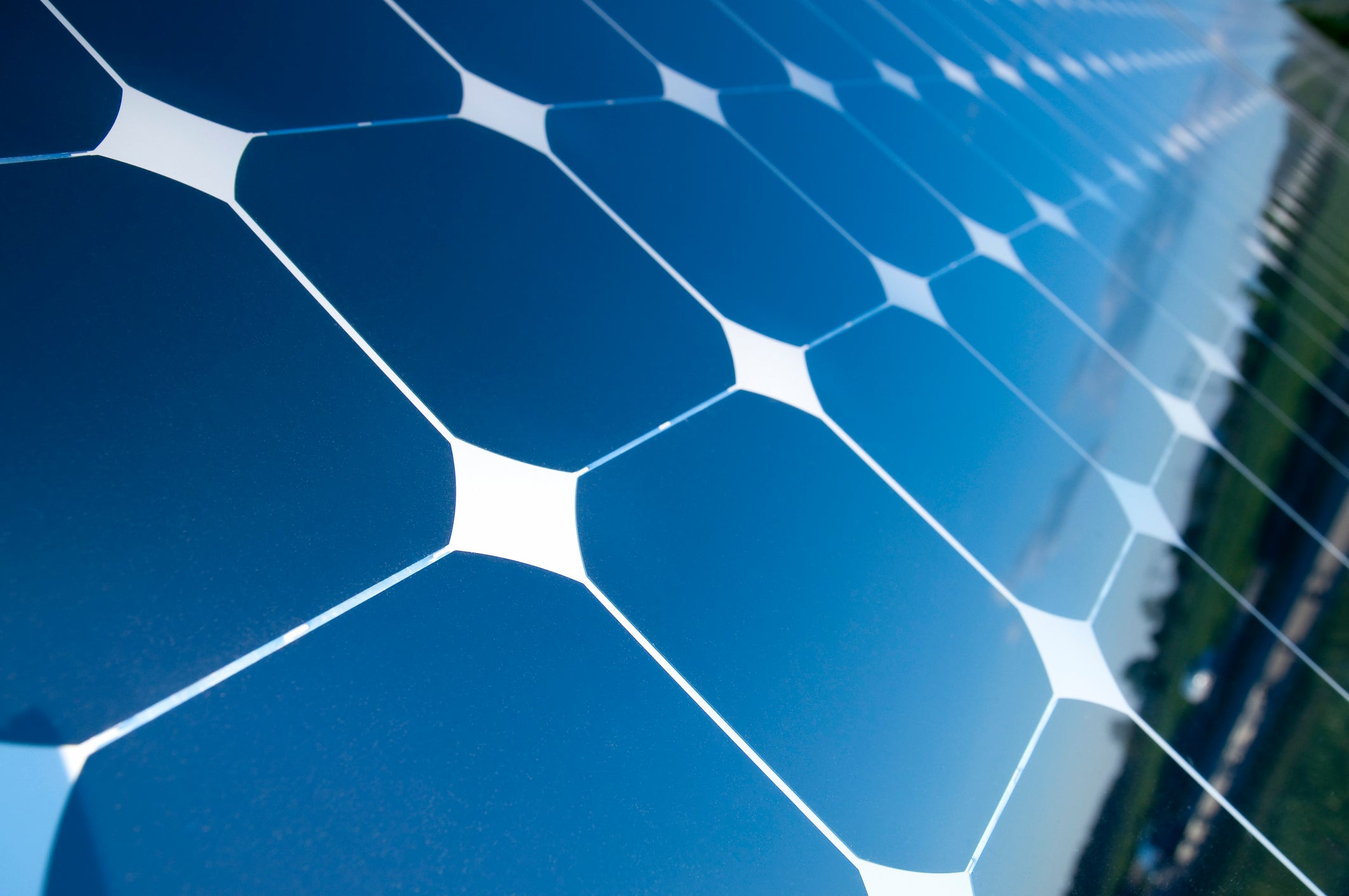 Sunlight To Electricity What Makes A Solar Cell Work
