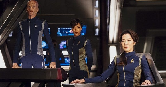 """The cast of """"Star Trek: Discovery"""" on the show set."""