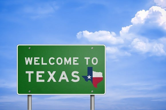 """Welcome to Texas"" road sign."
