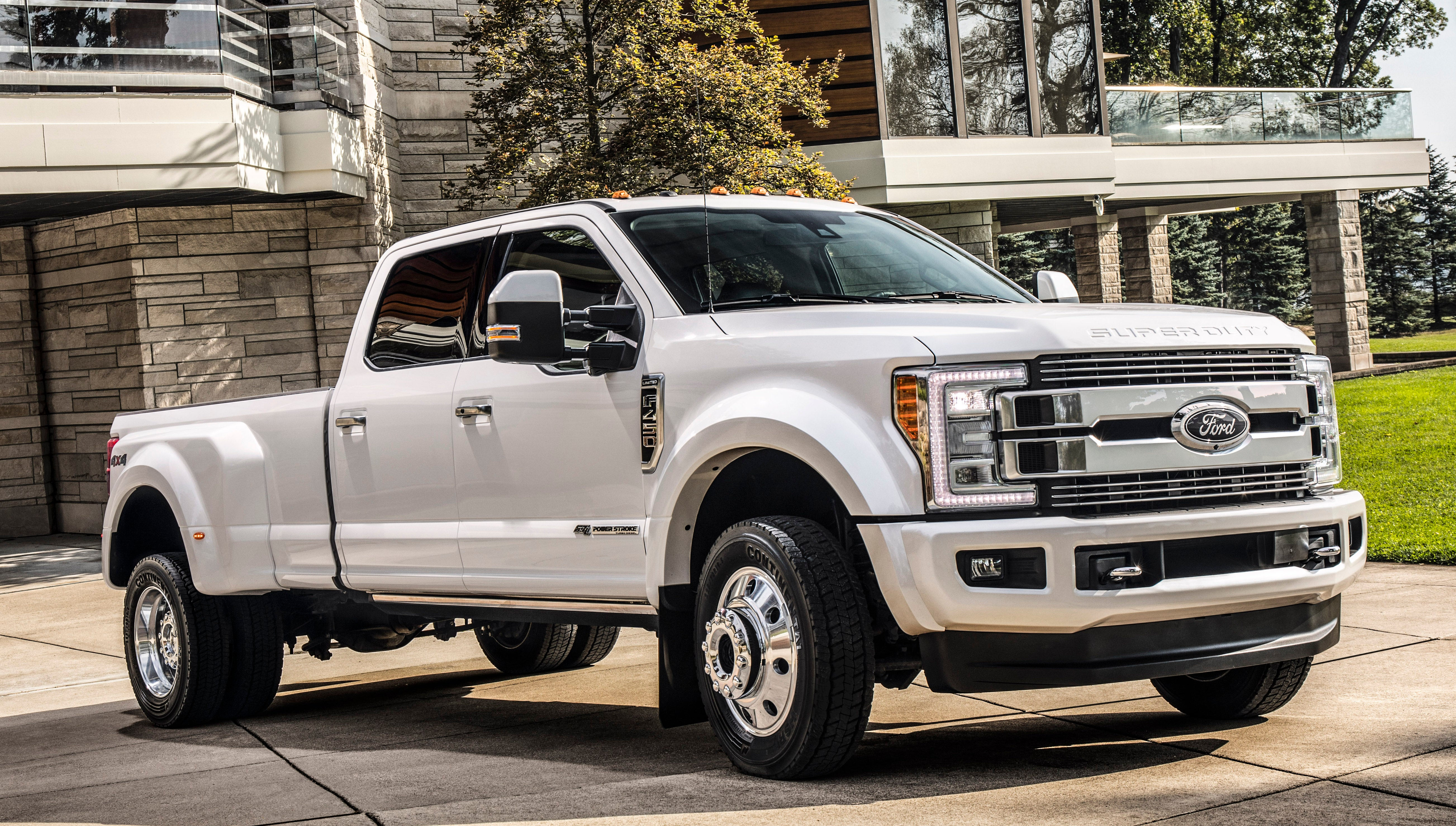New Ford Truck >> Who Will Buy Ford S New 90 000 Plus Luxury Pickup The