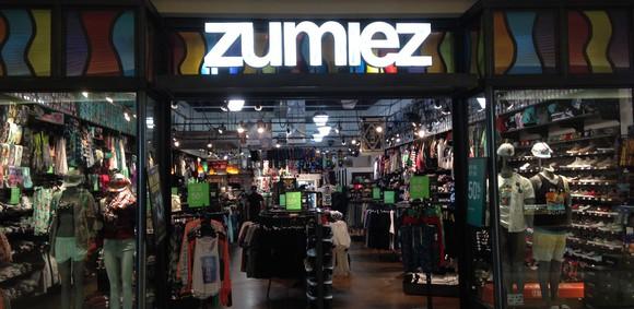 Zumiez store front