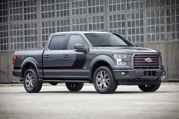 A gray 2016 Ford F-150.