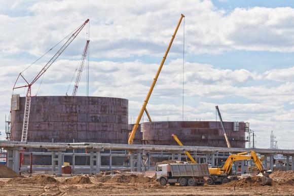 New oil storage tanks under construction.