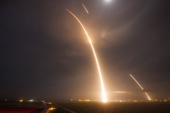 Time lapse photos of SpaceX rocket launching and landing on Dec. 15, 2016