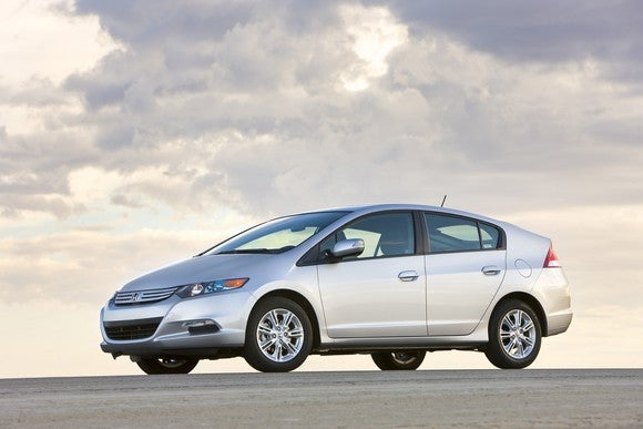 A 2010 Honda Insight hatchback.