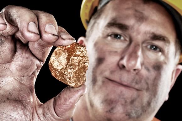 Better Buy: Freeport-McMoRan Inc. vs. Barrick Gold Corporation