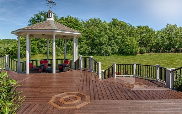 A deck built with Trex decking and railing.