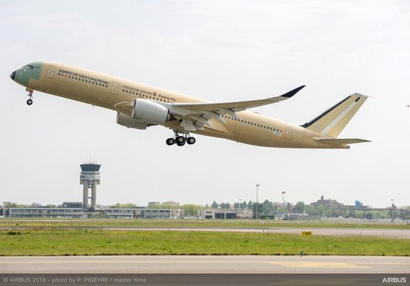 The first A350-900ULR taking off on a test flight