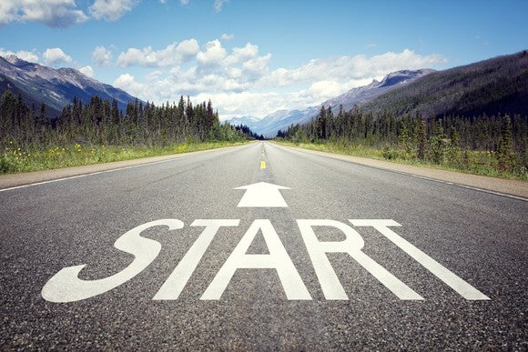 A road says start with an arrow pointing forward.