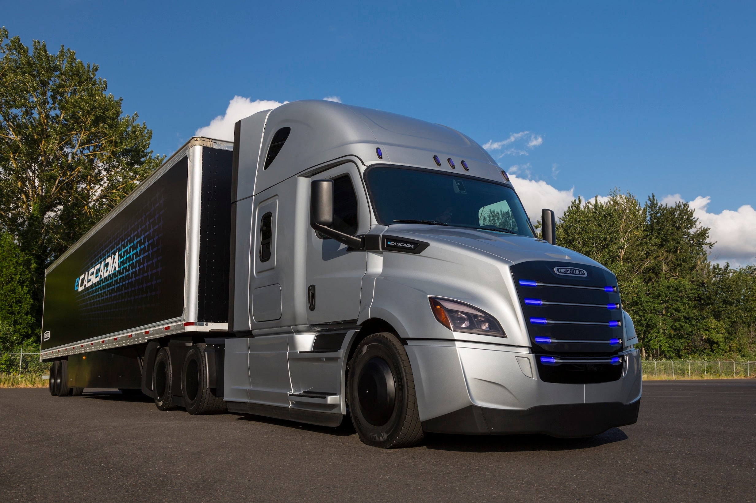 This Electric Semi Is Trucking Right Past Tesla S