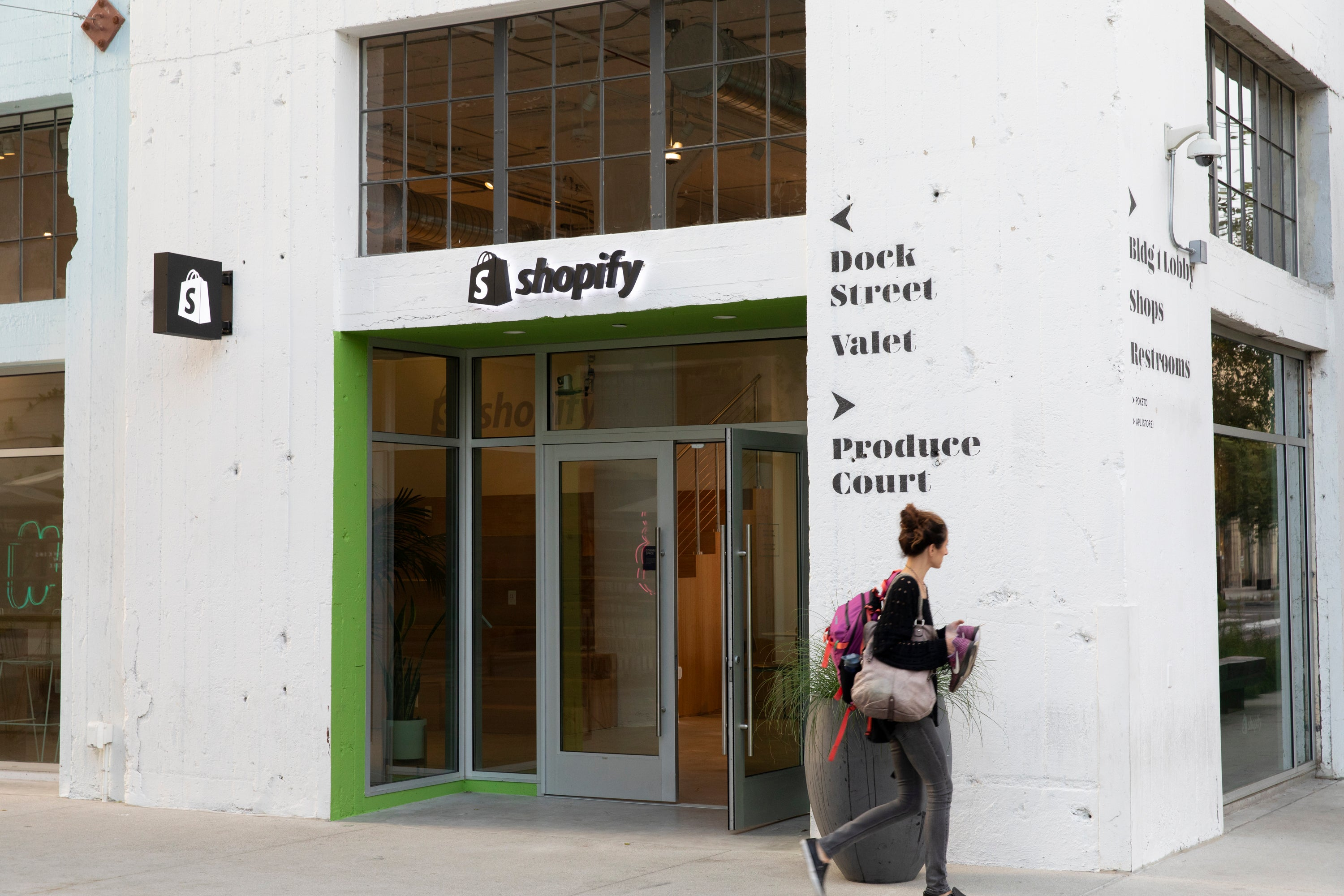 ce9851e3 Why Shopify Opened Its First Brick-and-Mortar