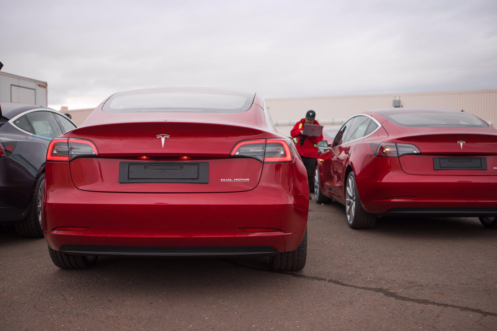 Resultado de imagem para Tesla Model 3 Europe