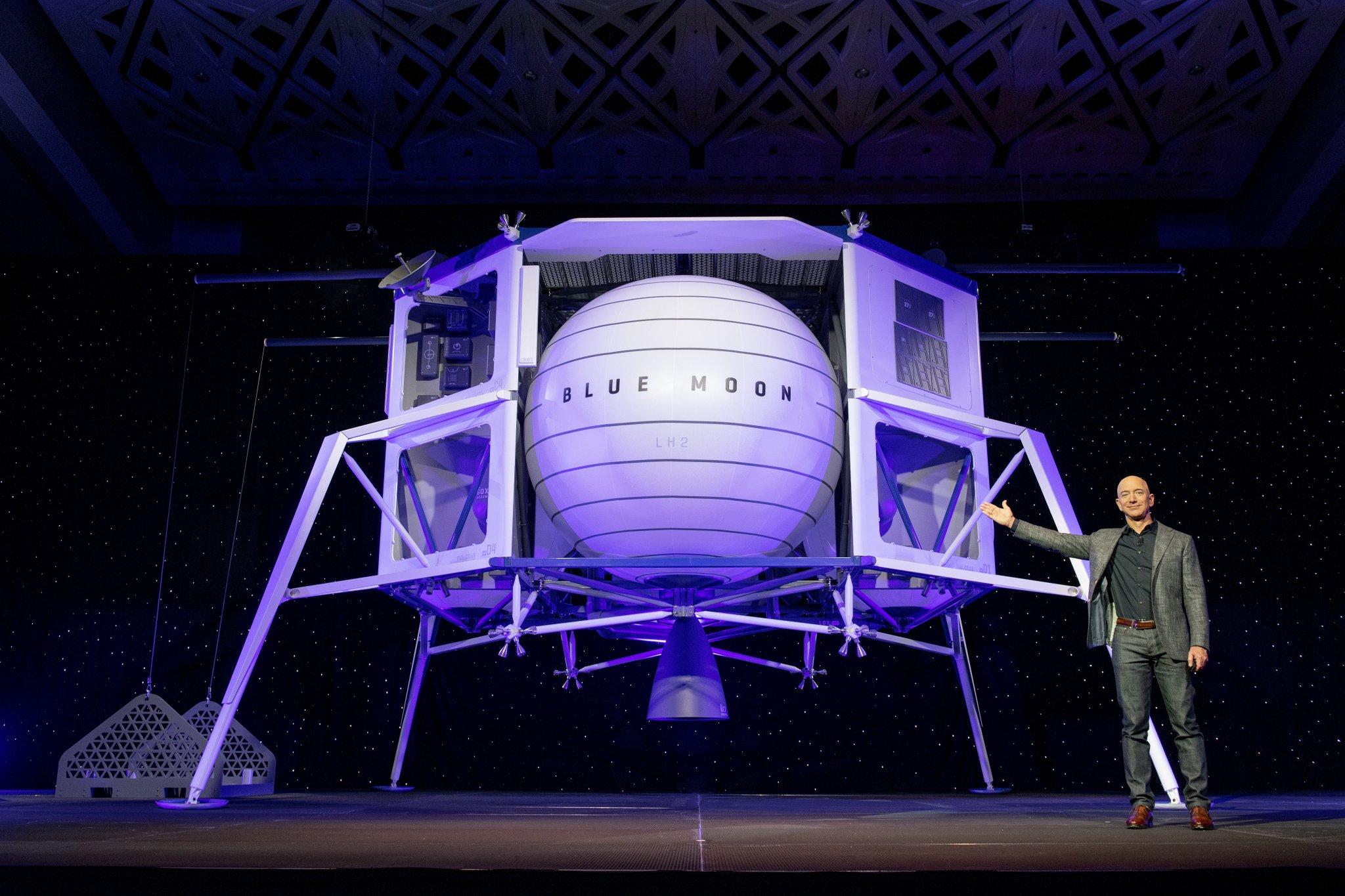 Jeff Bezos Builds a Moon Ship -- The Motley Fool