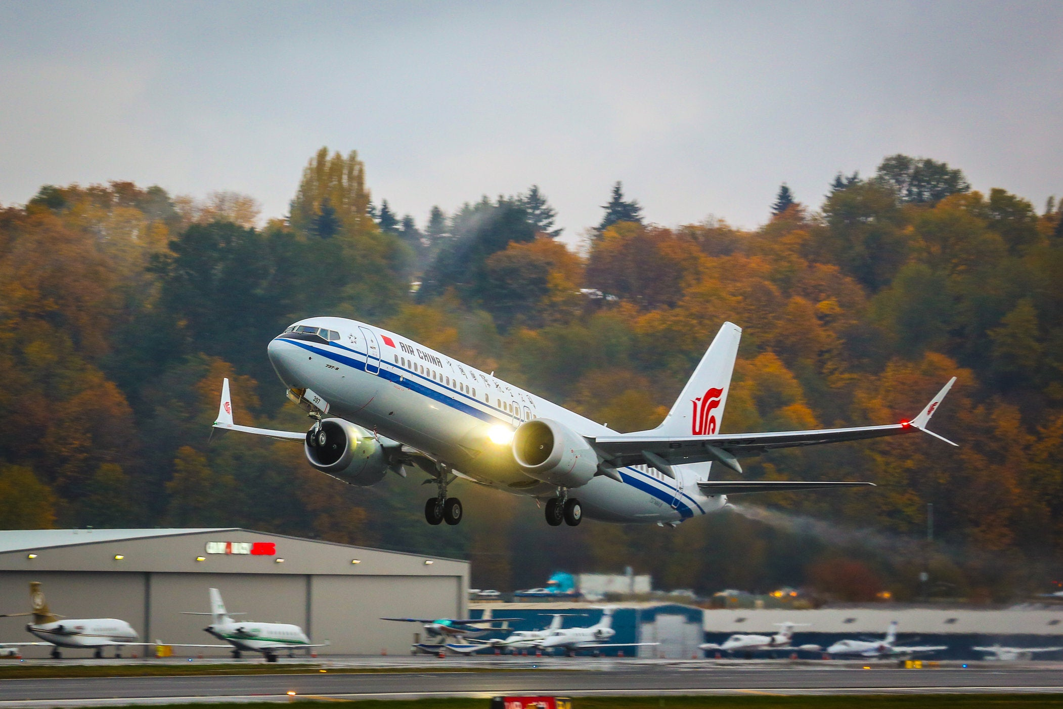 A Boeing 737 MAX 8 jet taking off.