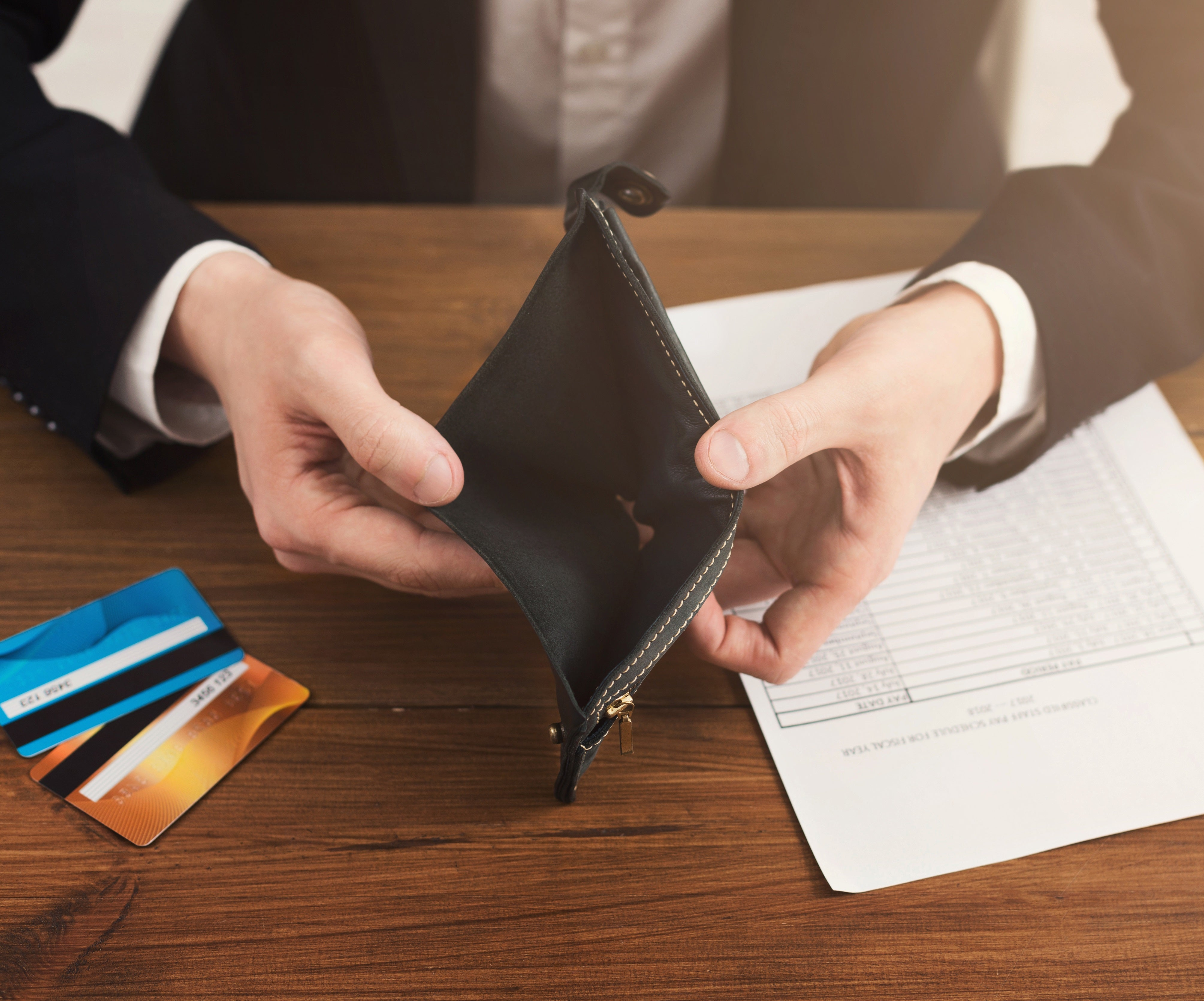 Even People Making 6 Figures Live Paycheck to Paycheck | The Motley Fool