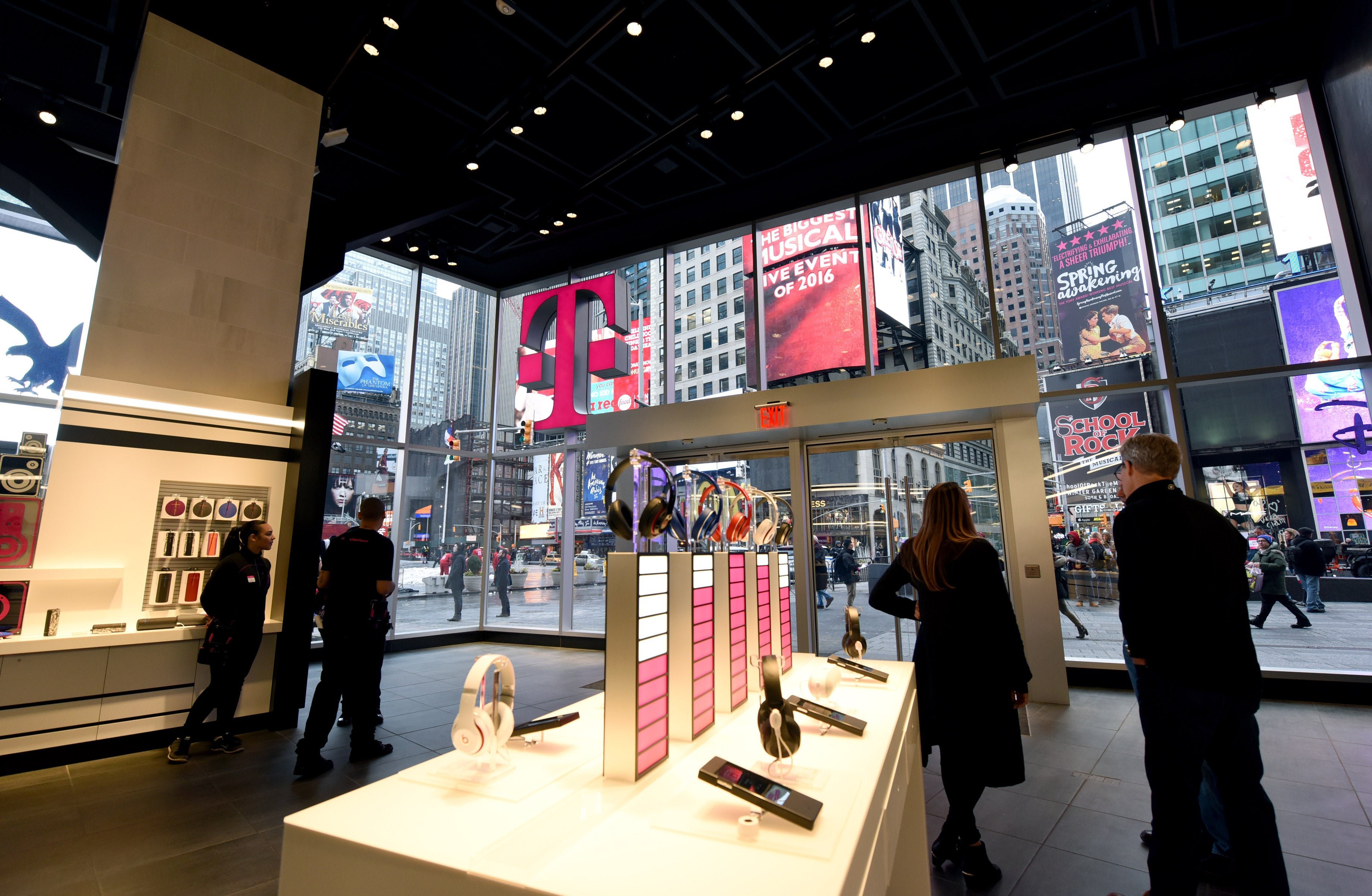 Why T Mobile Stock Plunged Today The Motley Fool