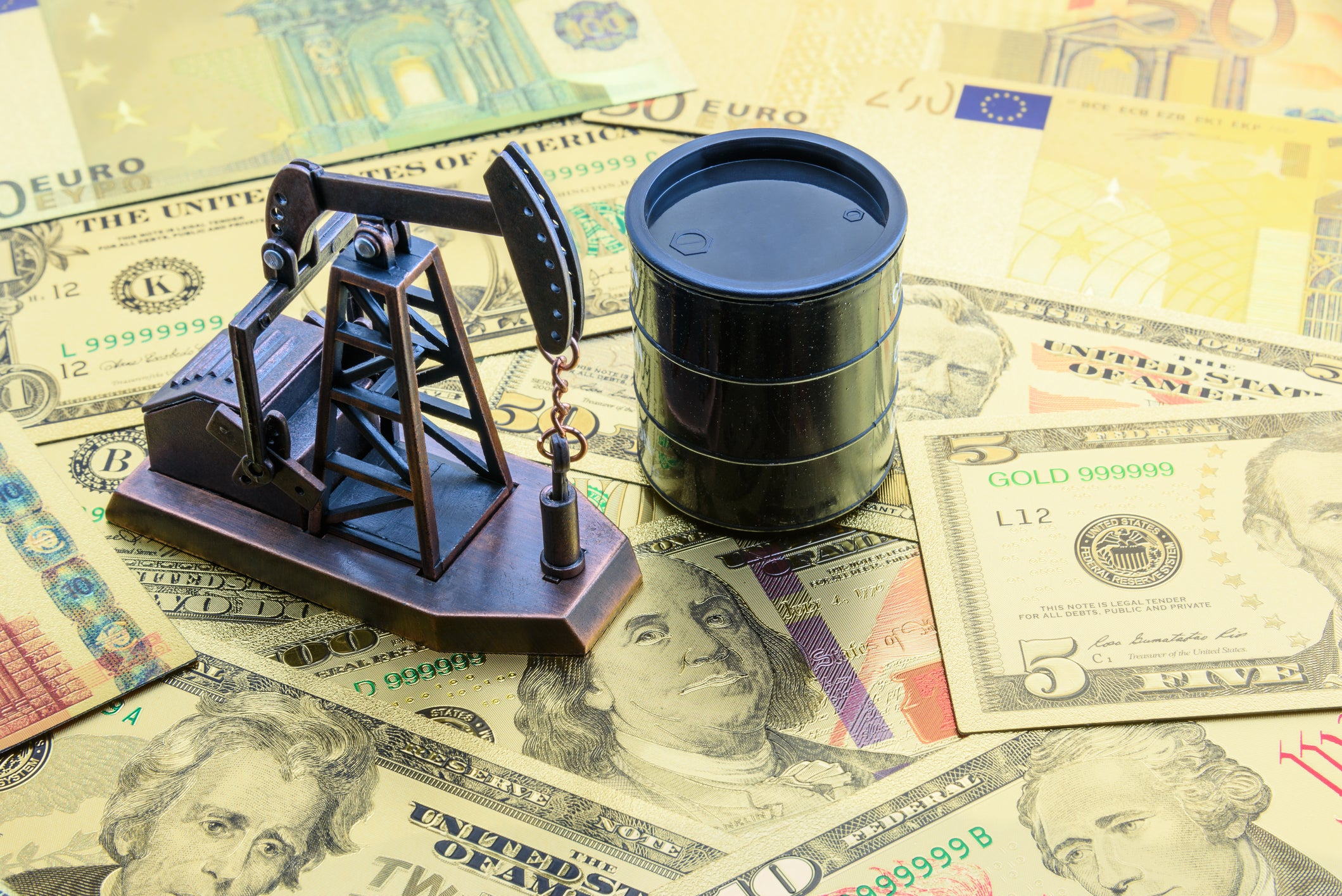 2 Top Oil Stocks to Buy For The Long Term   The Motley Fool