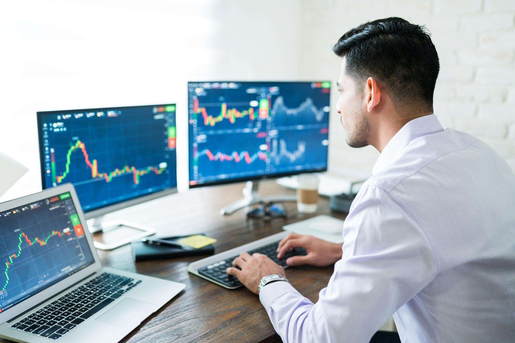 3 Stocks Robinhood Investors Love