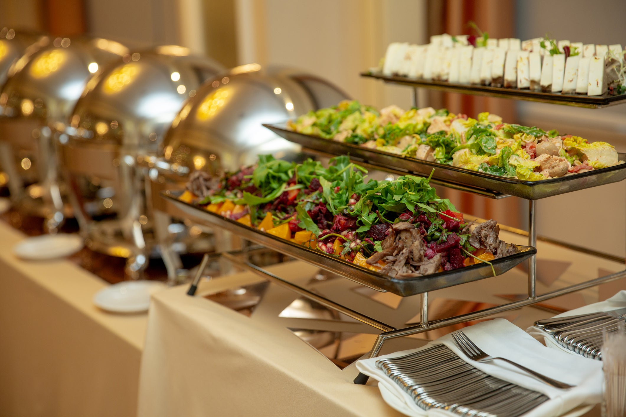 3 obvious and 4 not so obvious ways buffets make money