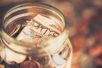 Berkshire Hathaway 4Q Earnings