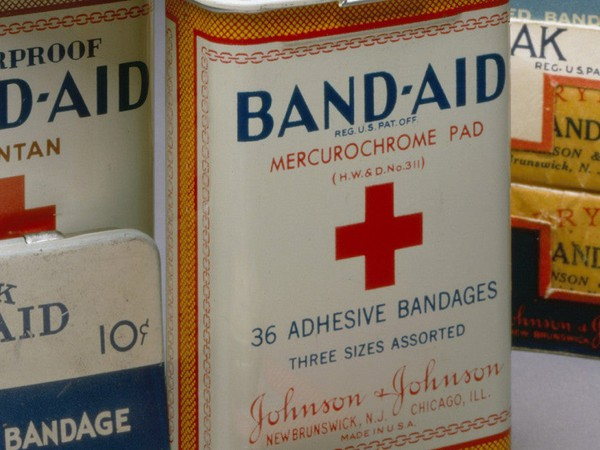 jnj old bandaid